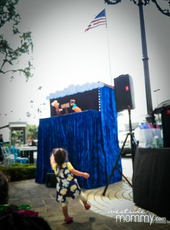 While we waited for our sandwiches to-go at Mendocino Farms, we enjoyed the puppet show, by Westside Marina del Rey Kids Club