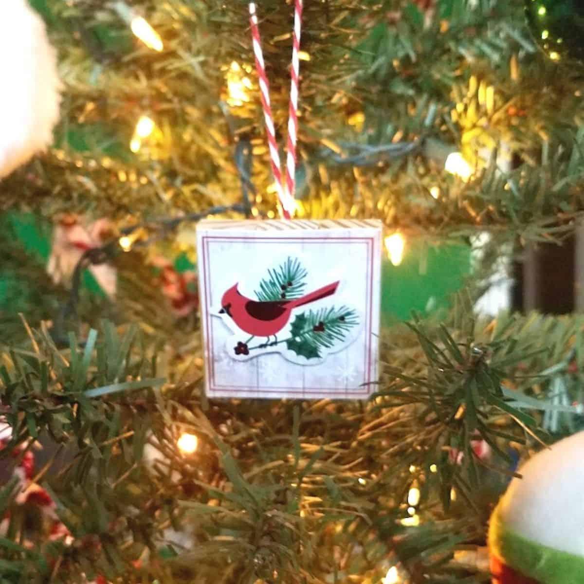DIY Christmas Crafts Using Jenga Blocks