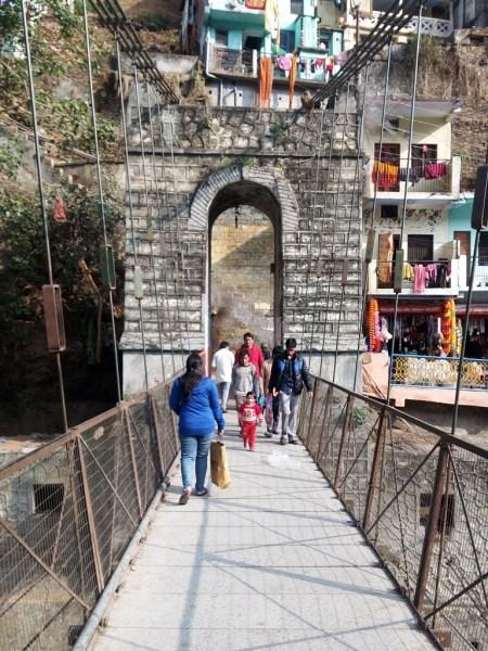 rope bridge on bhagirathi