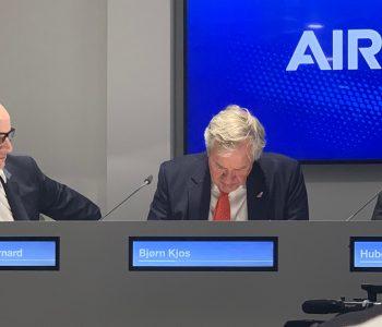 Bjorn Kjos durante una conferenza stampa nello Chalet Airbus al PAS2019