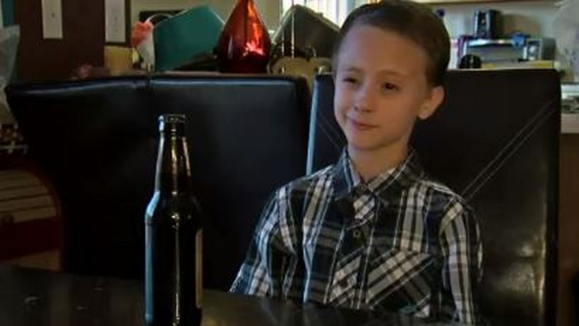 T.G.I Friday's serves 8-year-old alcohol instead of root beer_148608