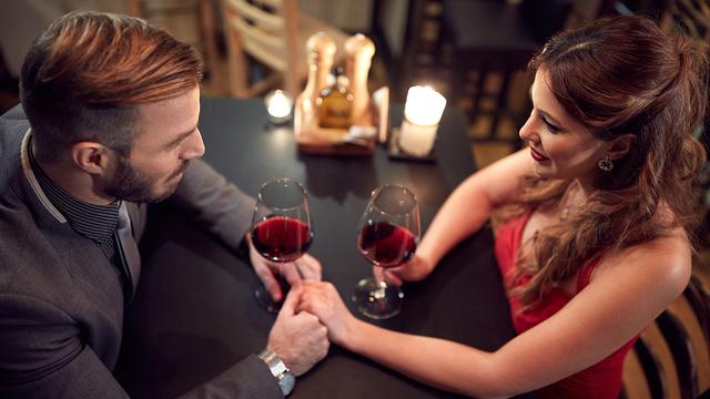 valentines-day-dinner-wine-happy-couple-romantic-love_1515533287088_329966_ver1-0_31347627_ver1-0_640_360_535394