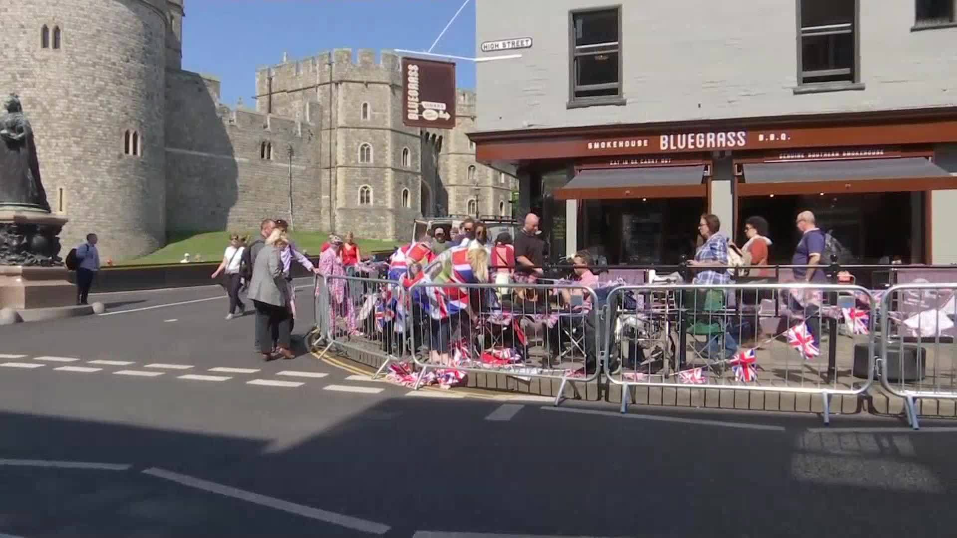 Royal_wedding_superfans_camp_out_0_20180516145903