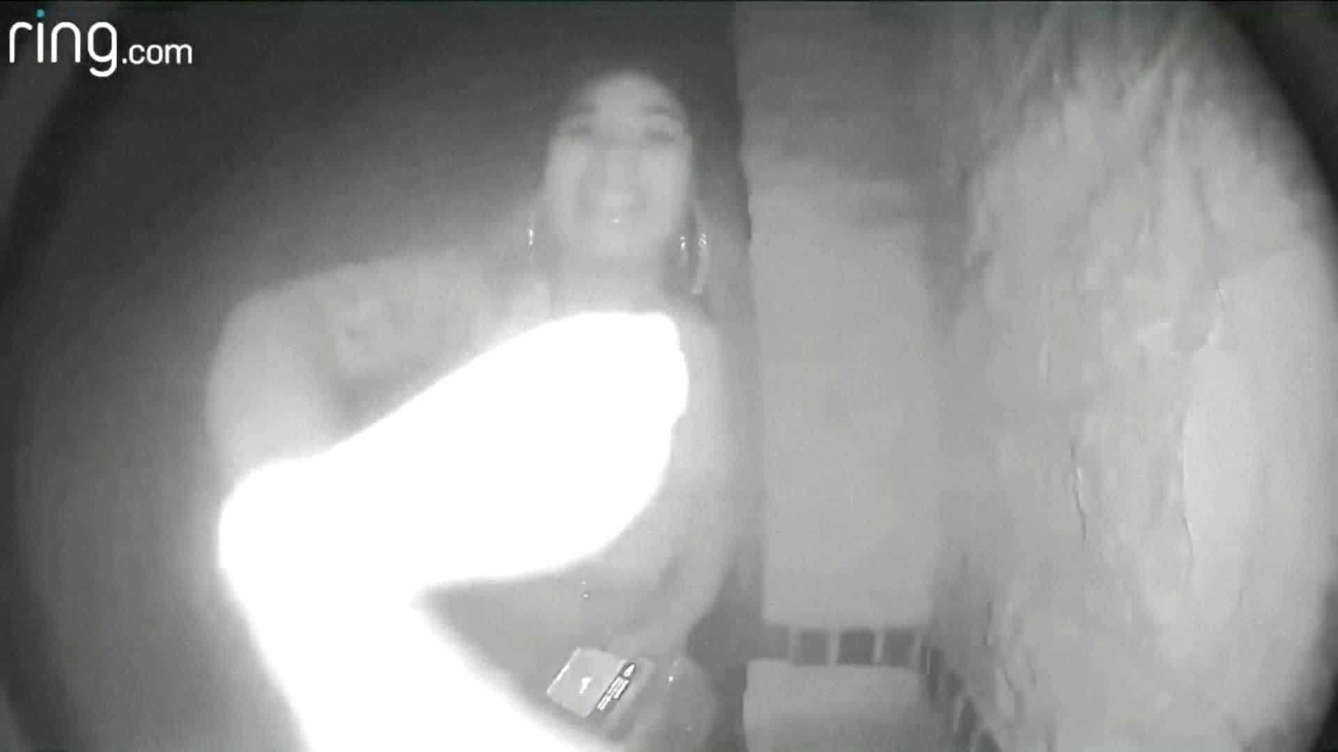 Doorbell cam shows Texas woman ditching toddler on doorstep