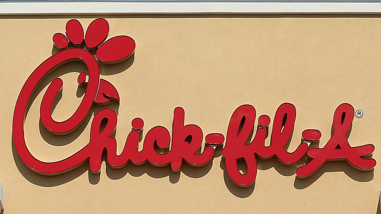 Chick-fil-A restaurant sign-159532-159532.jpg47459394