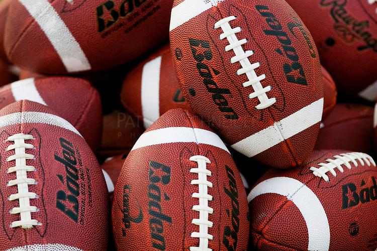 Footballs_1472523781852.jpg
