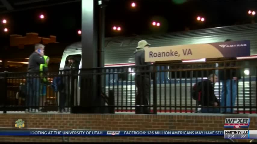 Amtrak rides start for the public in Roanoke_31717398