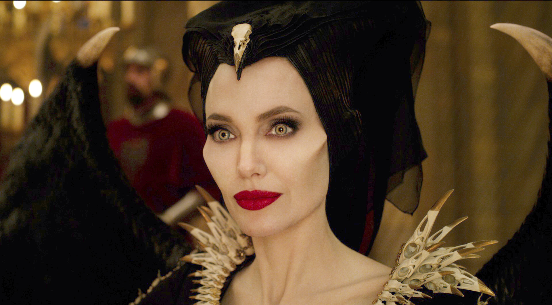Maleficent Mistress Of Evil Claims No 1 Over Joker