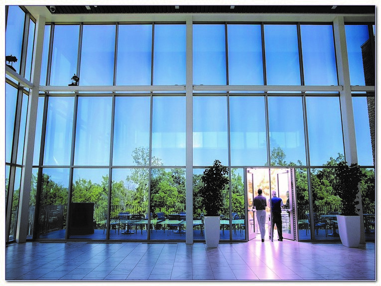 The Future of electrochromic smart glass for commercial and Domestic Building
