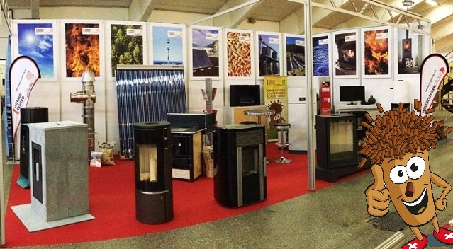 Stand Thermocentro: stufe, caldaie a pellet, impianto solare fotovoltaico