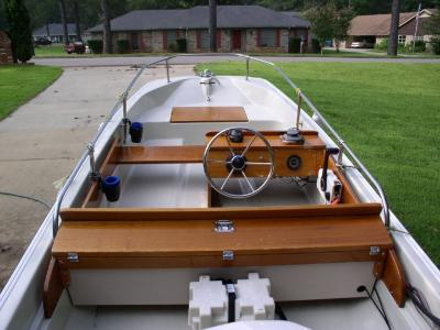WhalerCentral Boston Whaler Boat Information And Photos Whaler Models And Specifications