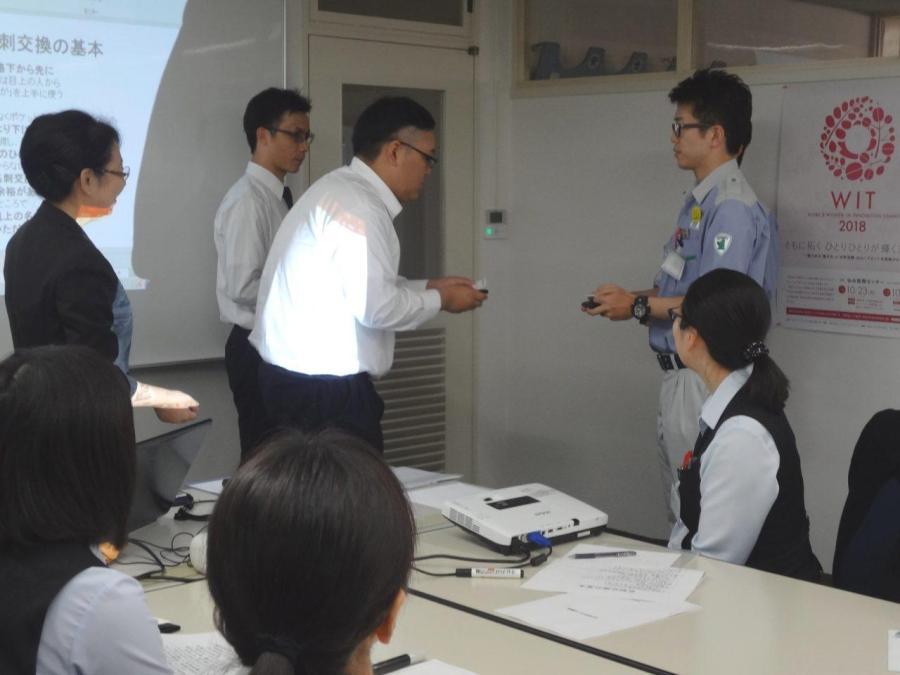 設備業のマナー研修_DSC03988