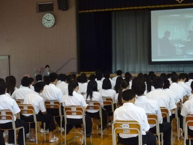 高校の進路講演会でインターシップで重要な報連相について講師jimgoHP_2016-0831_DSC01607