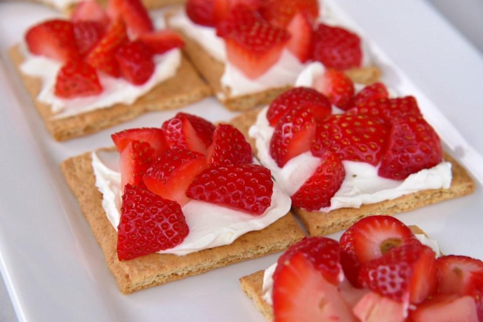Strawberry Graham Crackers