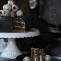 Halloweentorte mit Augen-Cakepops