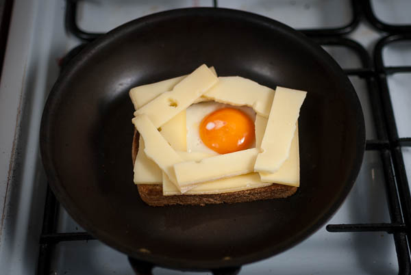 raclette egg toast-0039
