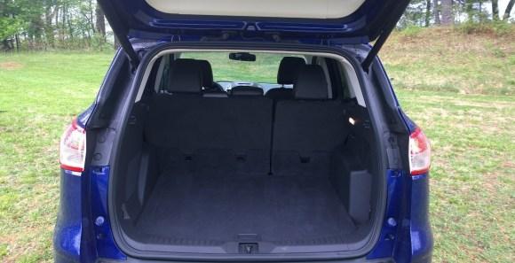 Ford Escape Titanium cargo