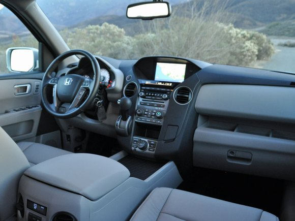 2014 Honda Pilot 4WD interior
