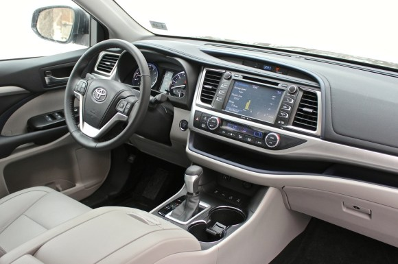 2014 Toyota Highlander LE AWD 2