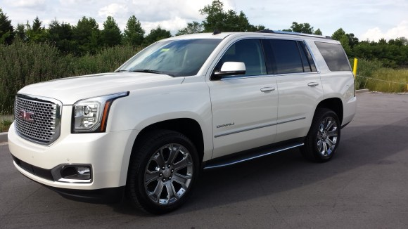 2015 GMC Yukon XL Denali 4WD 3