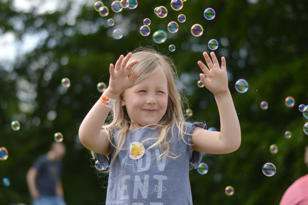 Little G bubbles Geronimo Festival