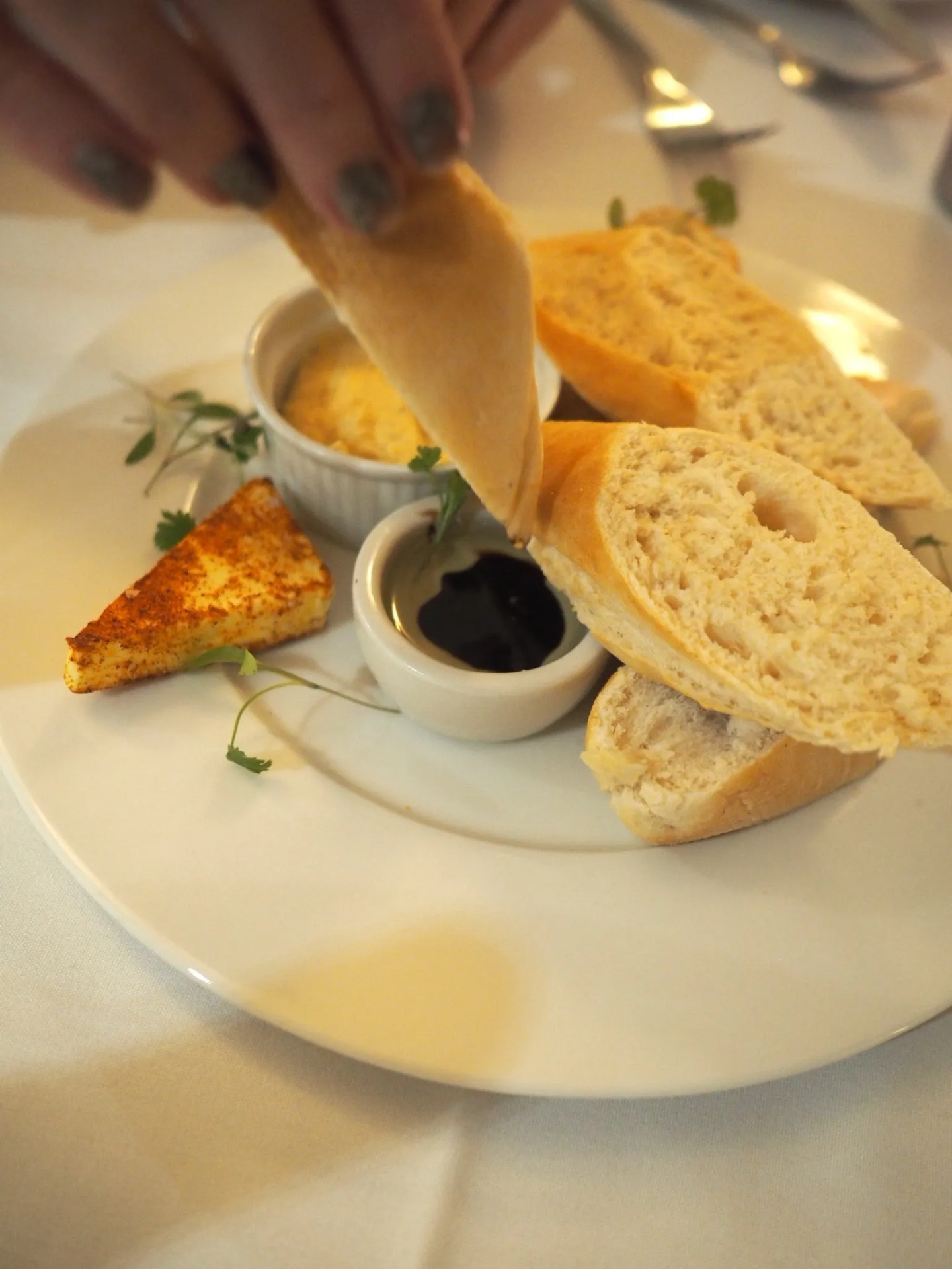 What-LizzyLoves-Bank-House-Hotel-spa-review-Worcester-spa-dinner-bread