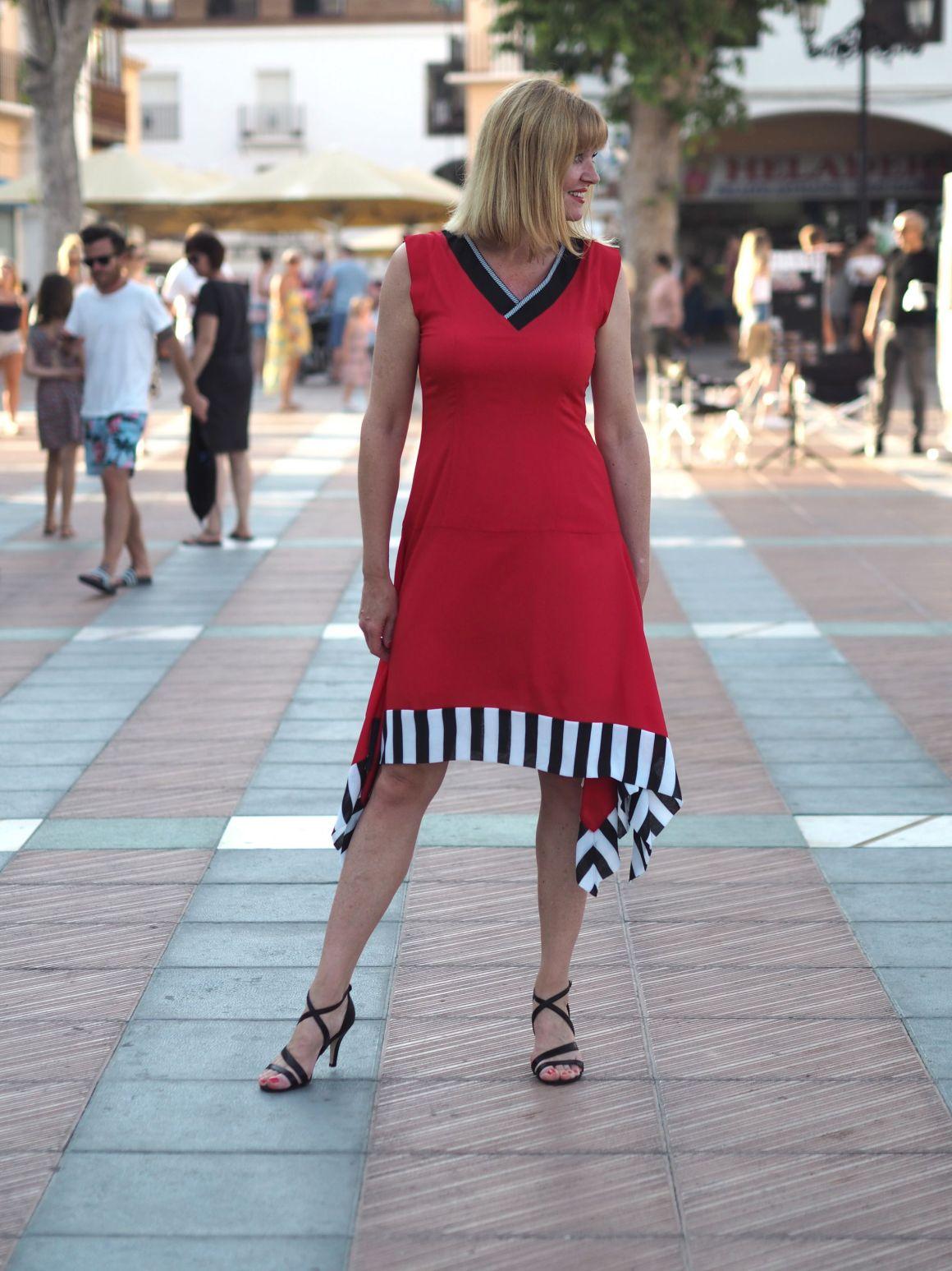 what-lizzy-loves-red-contrast-hem-dress-nerja-contrasthem