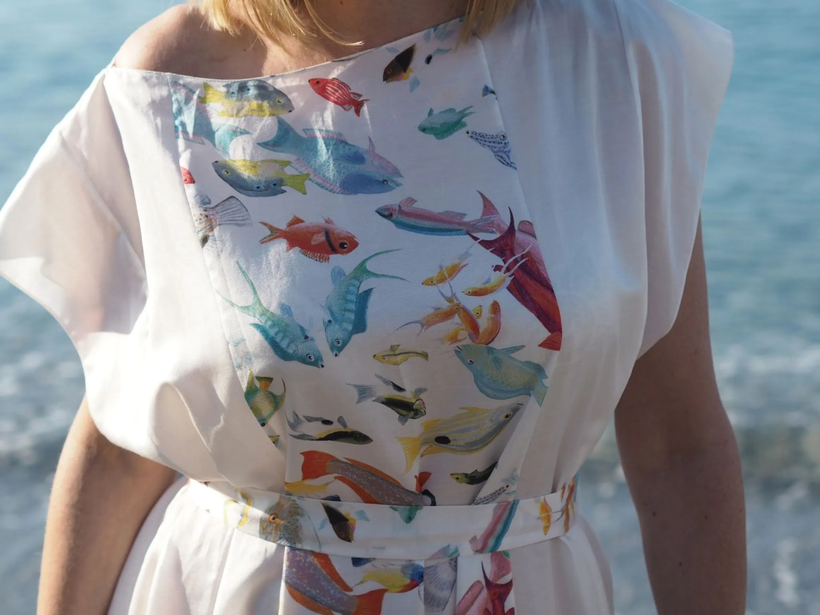 what-lizzy-loves-holiday-outfits-holidayoutfits-nerja-rose-fullbright-long-printed-silk-fish-kaftan-caftan