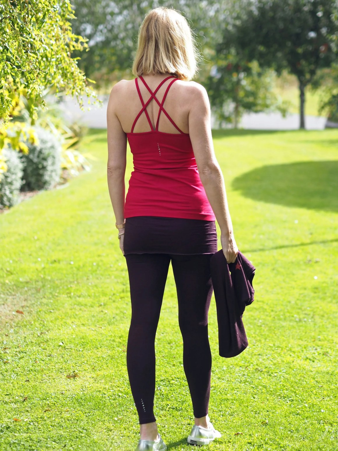 What-Lizzy-loves-bamboo-yoga-clothes-crossover-vest-leggings