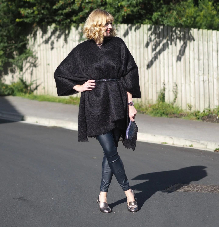 what-lizzy-loves-coated-skinnies-leggings-serape-glitter-belt