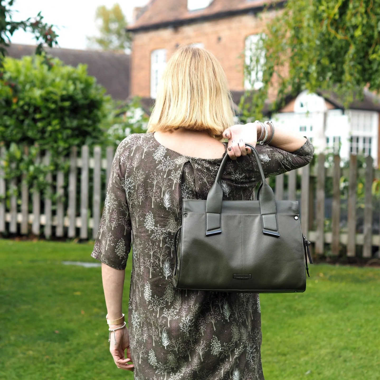 what-lizzy-loves-khaki-tunic-dress-autumn-style-leather-handbag