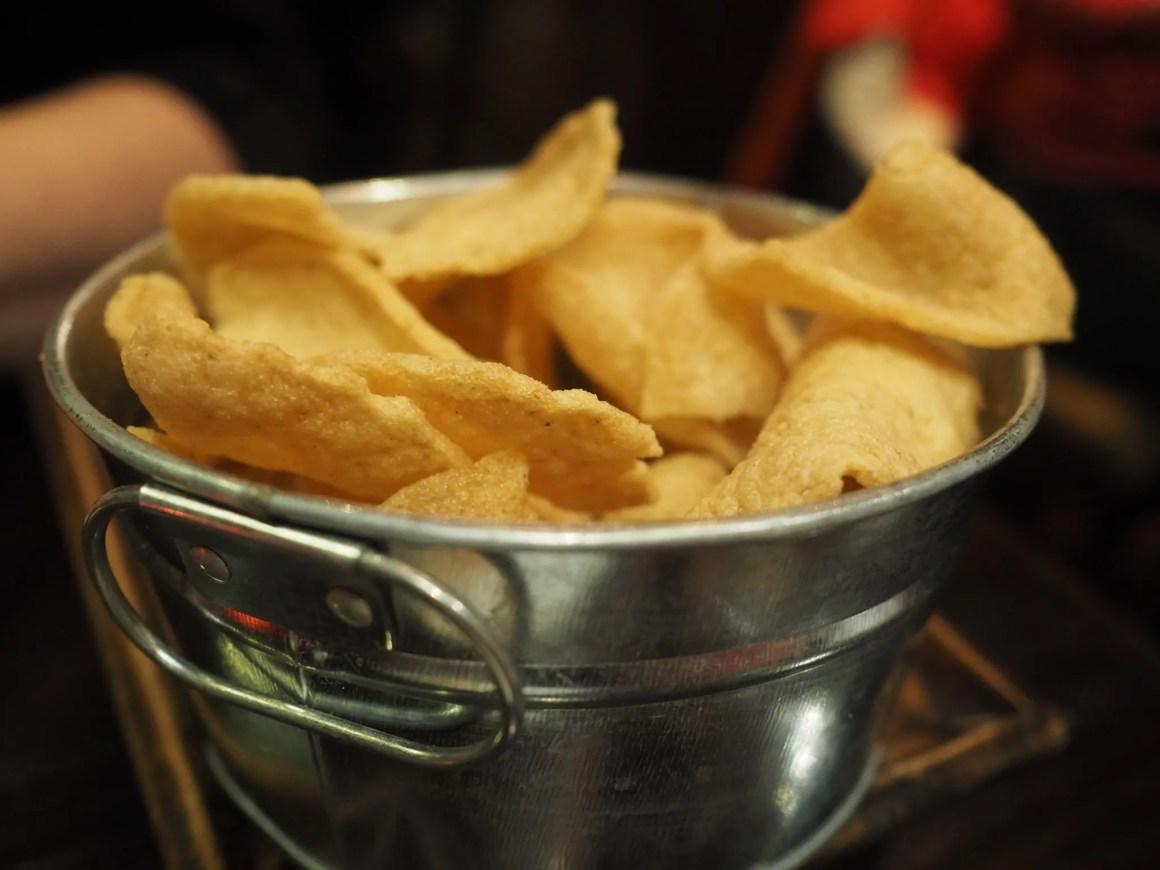 What Lizzy Loves Sukhothai restaurant review prawn crackers