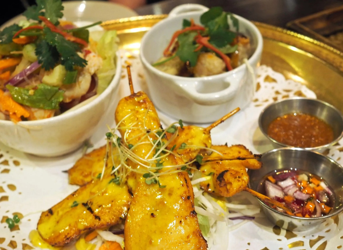 What Lizzy Loves Sukhothai restaurant review chicken satay prawn dumplings