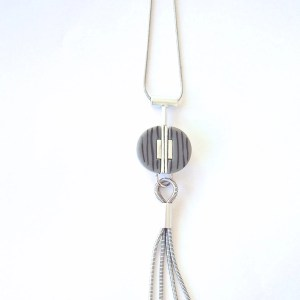 what-lizzy-loves-boutique-grey-pendant