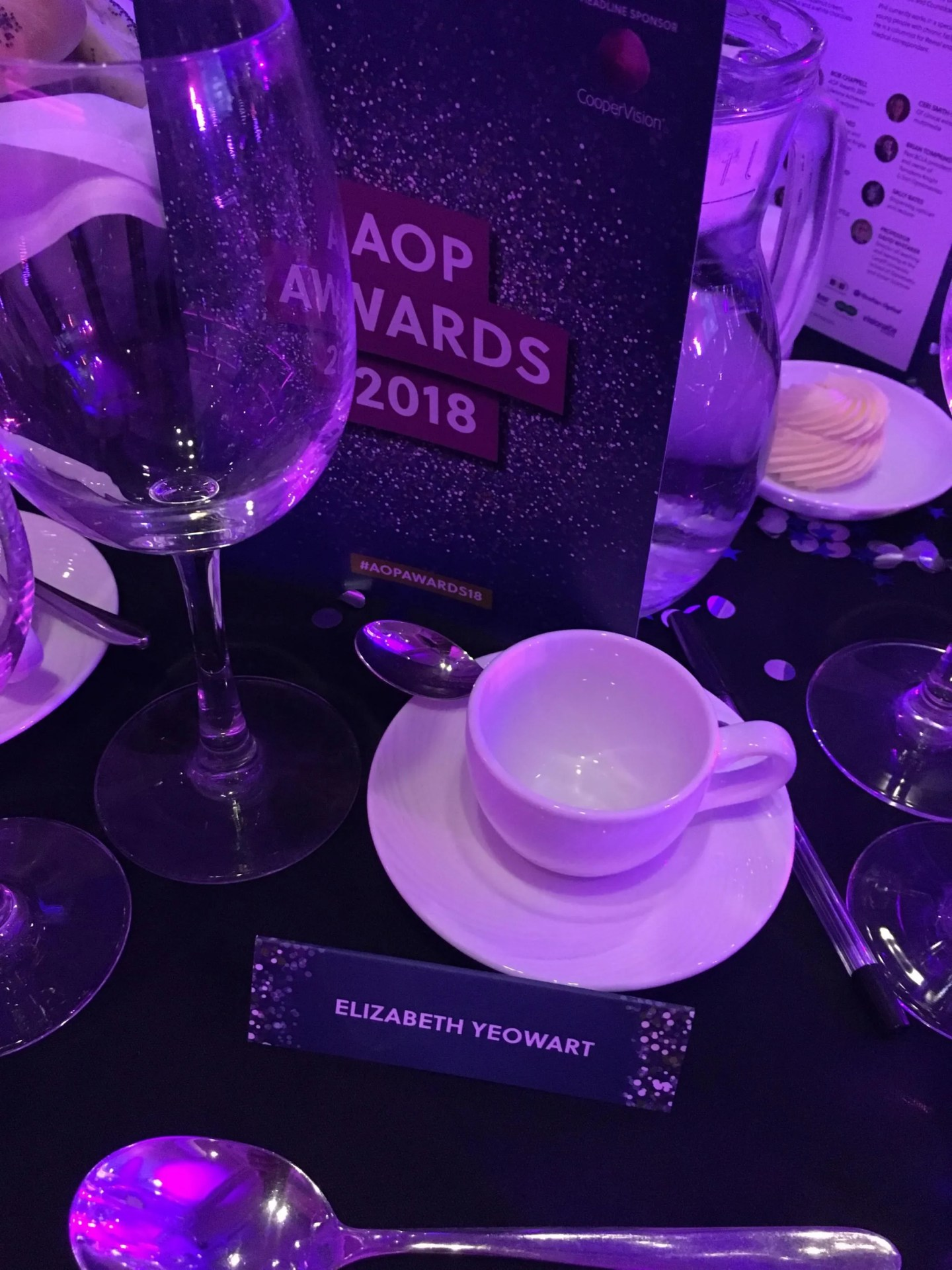 what-lizzy-loves-table-setting-aop-awards
