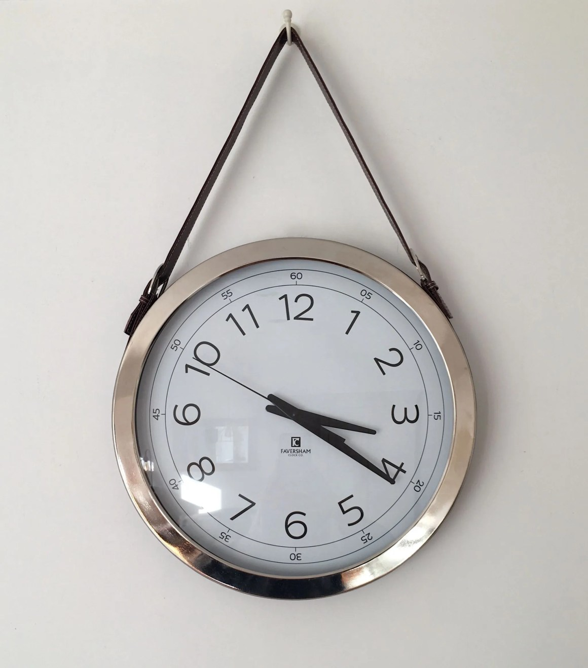 what-lizzy-loves-leather-metal-clock