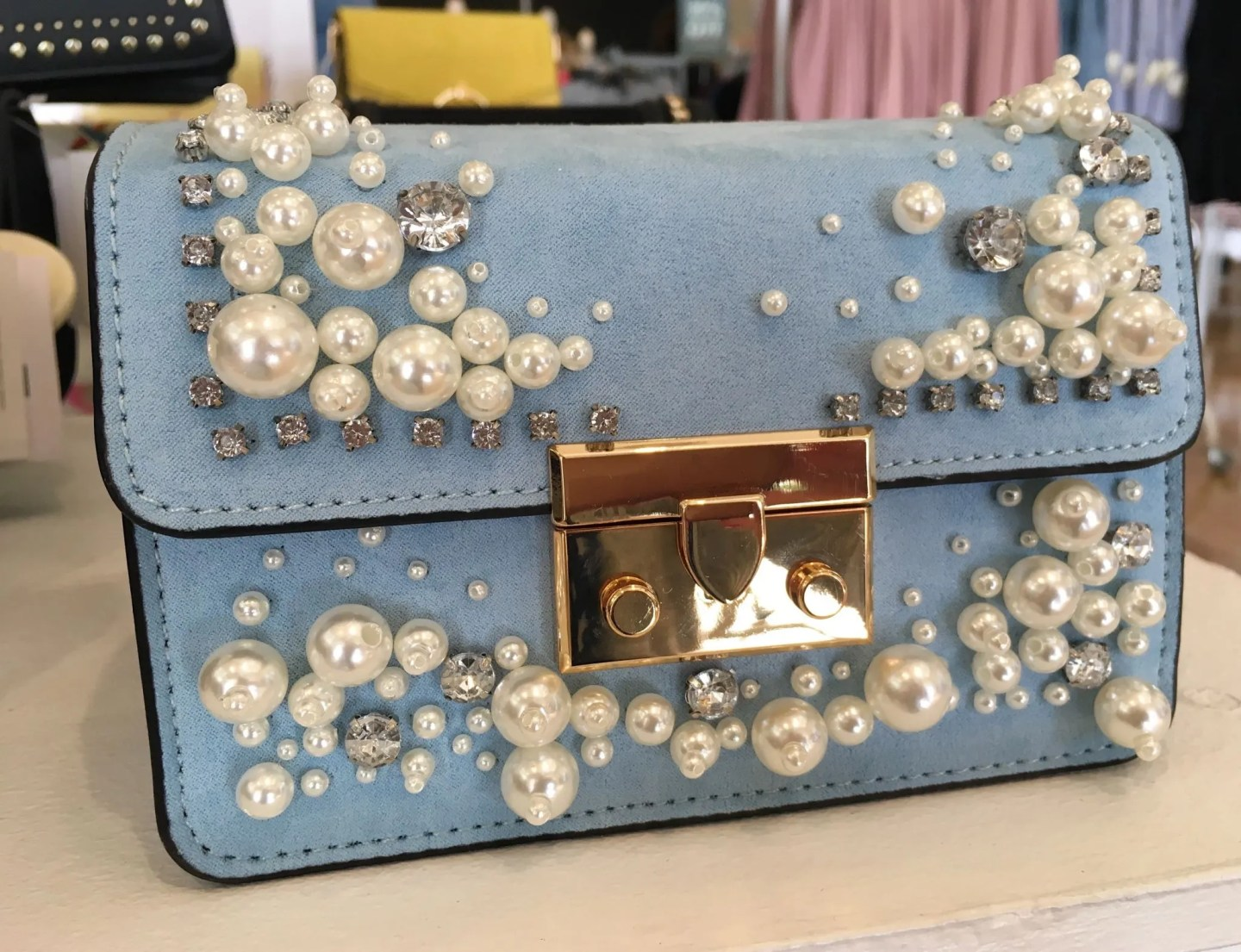 what-lizzy-loves-blie-pearl-cross-body-bag-mothers-day-gifts