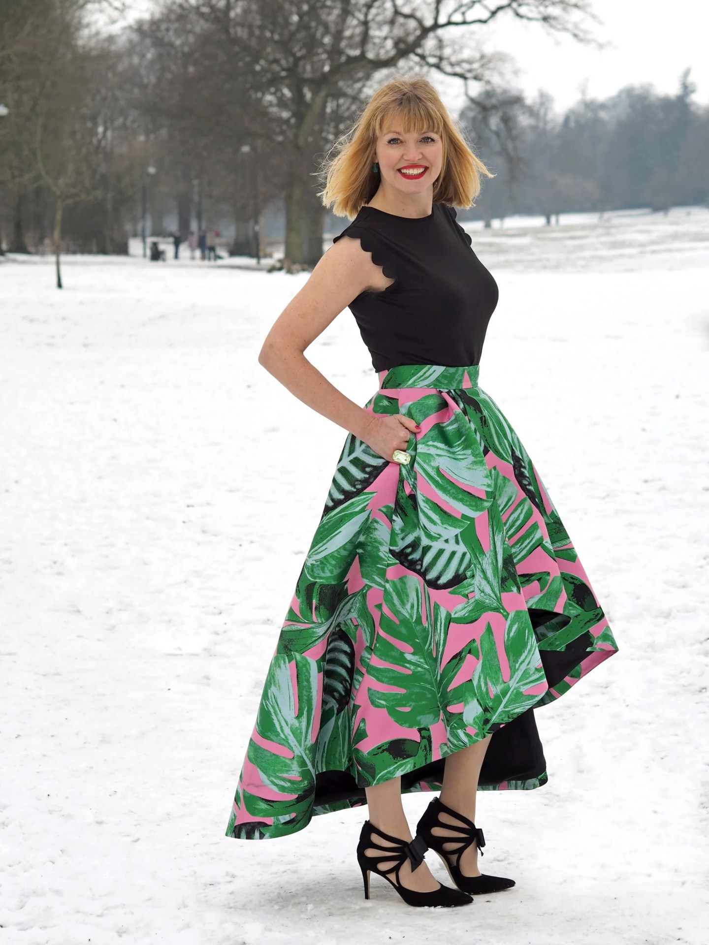 what-lizzy-loves-green and pink skirt-snow