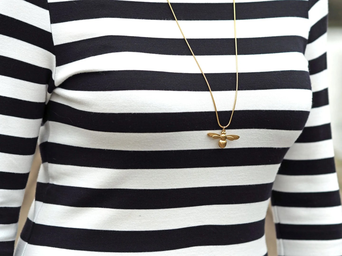 what lizzy loves bee jewellery necklace
