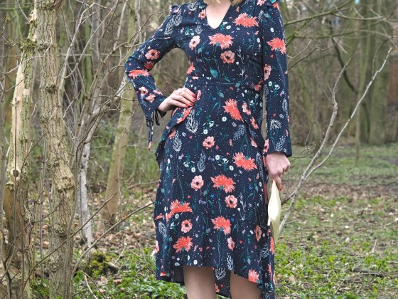 what-lizzy-loves-floral-midi-dress-orange-shoes