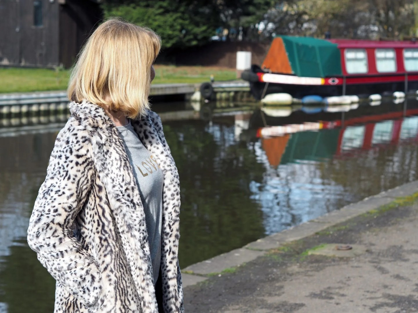 what lizzy loves leopard coat skipton canal