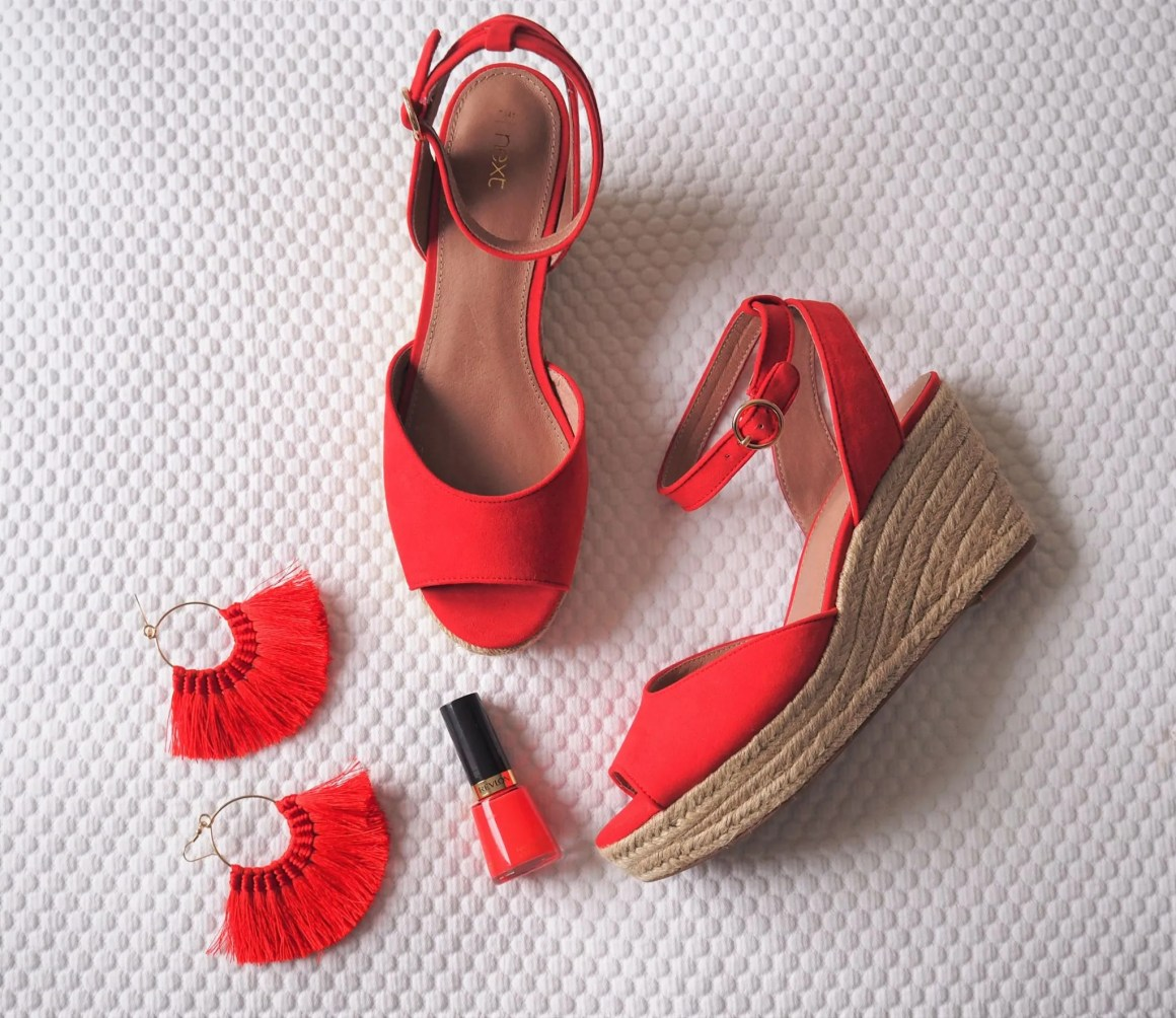 what lizzy loves red holiday wardrobe clothes and shoes