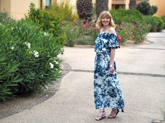 tie-dye maxi dress sandals
