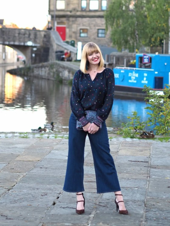 what lizzy loves multi-coloured star top,Boden cropped jeans, leopard shoes