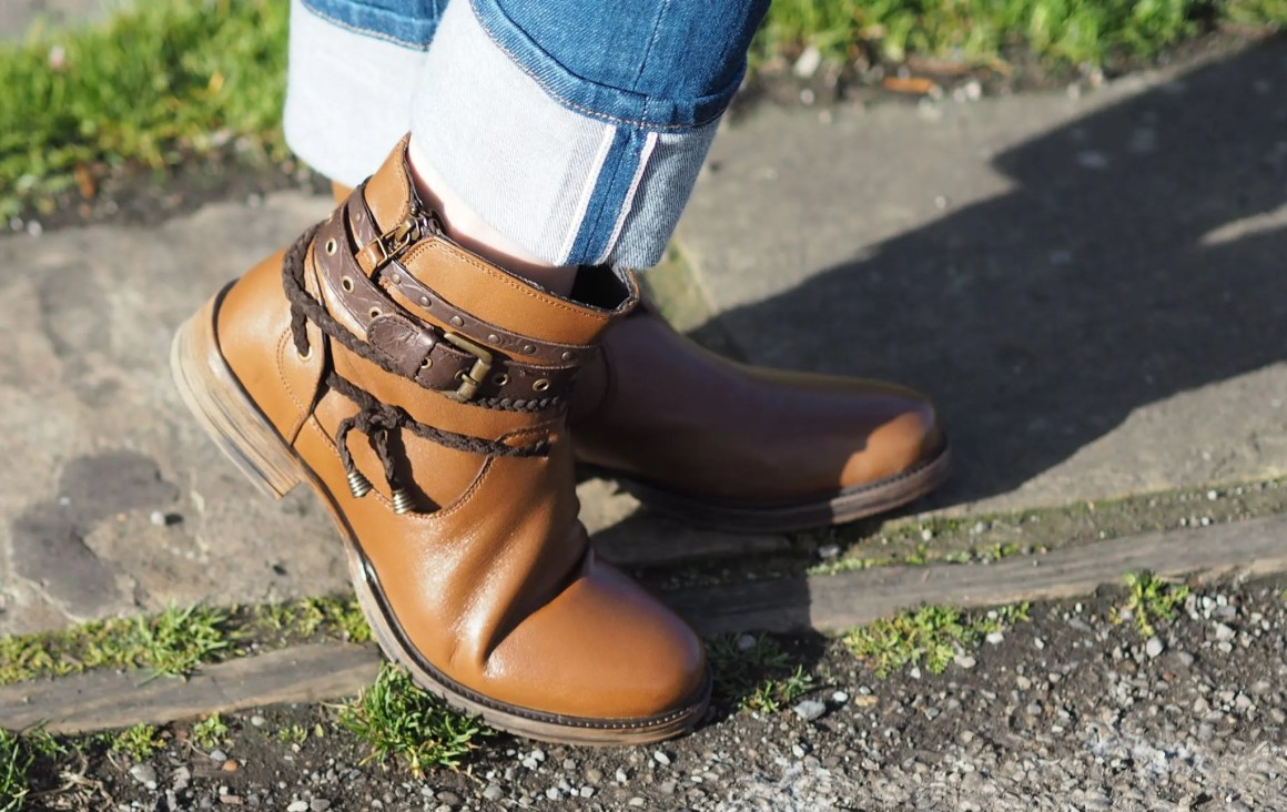 lotus tan leather biker boots
