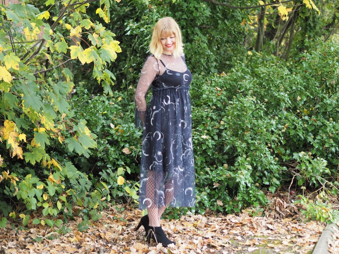 over 40 Hallowe'en outfit autumn leaves