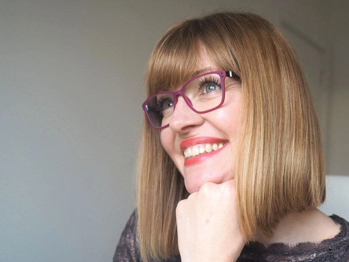make a spectacle in pink eyewear