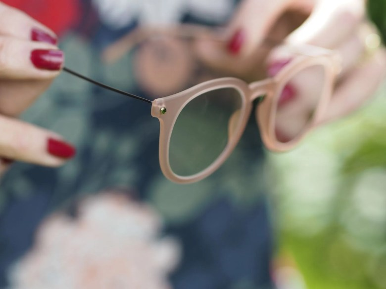 Stepper s matte peach eyewear