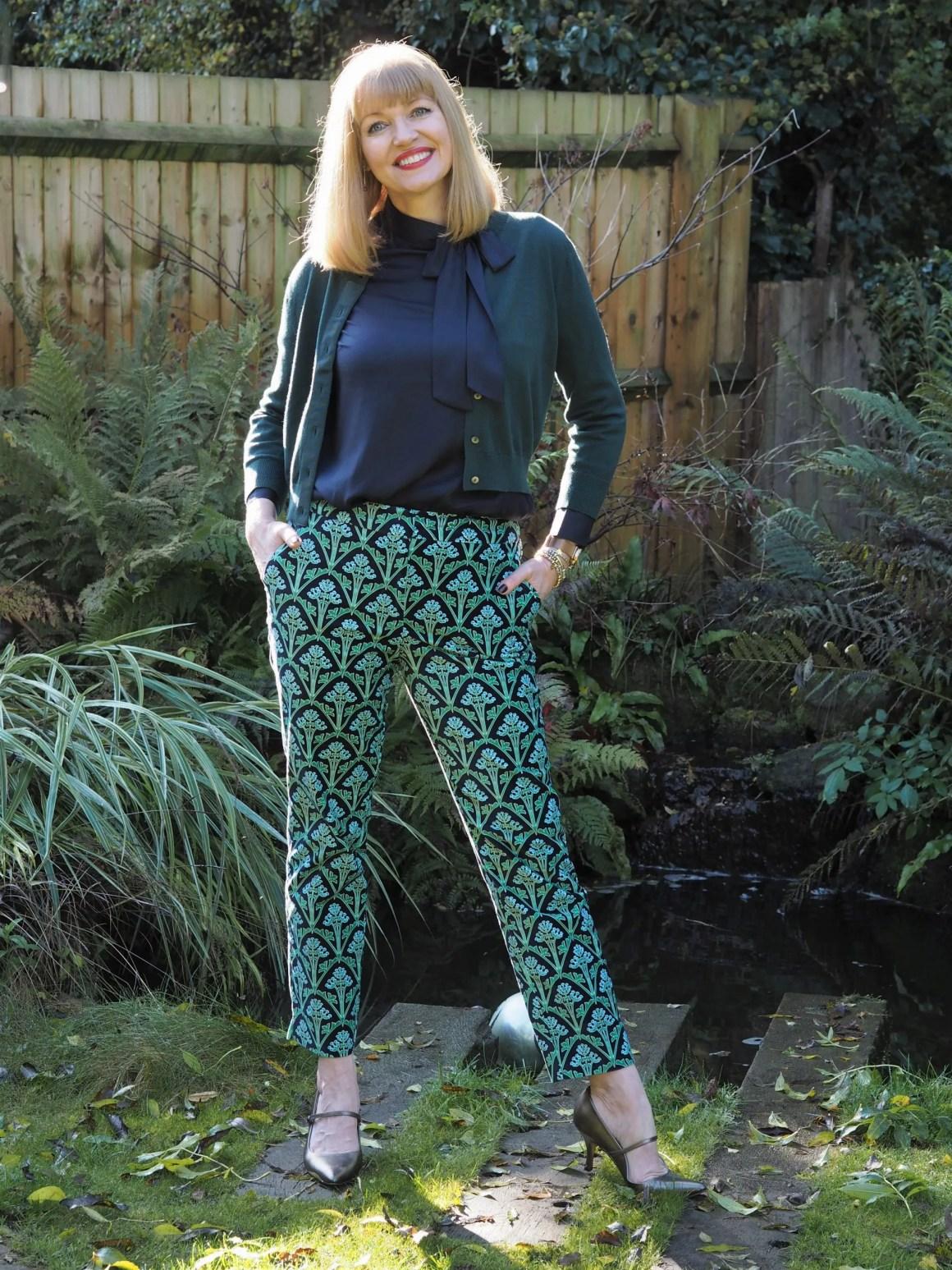 boden green patterned velvet trousers