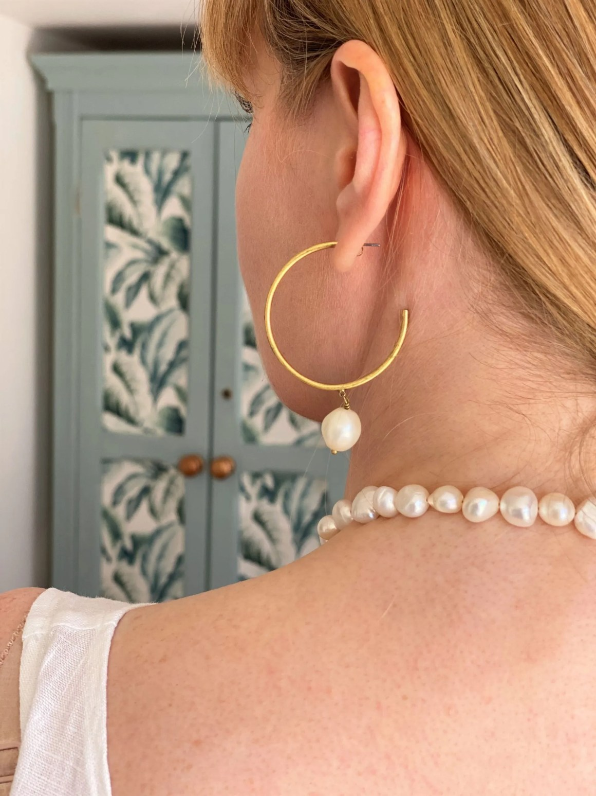 freshwater pearl earrings and freshwater pearl necklace